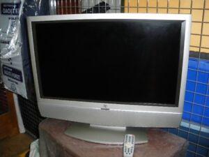 Téléviseur  26pouces avec manette