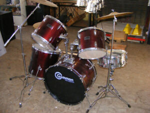 5 piece Drum Set and 3 cymbals with deep lacquer finish