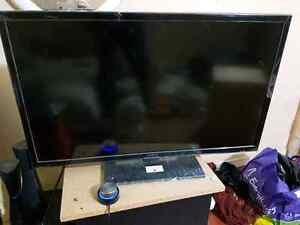 Insigna  32inch  led TV  almost new for sale