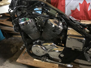 750 honda shadow motor complete plus other parts