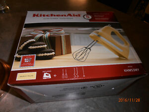 KITCHEN AID YELLOW HAND MIXER