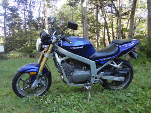 Hyosung Comet - only 2840 Kms