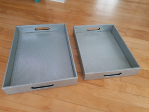 Pair of serving trays - great condition!
