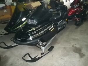 2001 SKI DOO GRAND TOURING DELUXE 800   EXCELLENT SHAPE