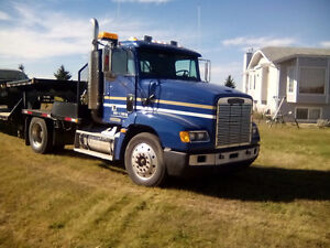 Freightliner 1993 WITH VERY LOW KM !!   Reduced