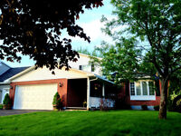 MUST SEE Property in a great neighborhood near all amenities!
