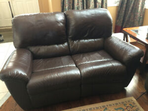 DOUBLE LEATHER RECLINER - GOOD CONDITION!!!!!!