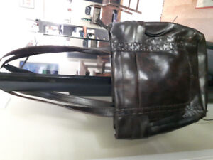 CABRIELLI and CO LARGE PURSE RETAILS at $60.00