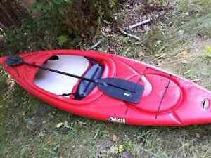 Pelican 10ft Kayak with Paddle Like New