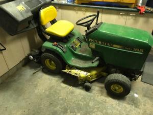 Tracteur a gazon jonh deere hydro 165