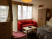 Lovely room to share with a WOMAN in Mile End, all bills included, free Wi-Fi, ID: 453
