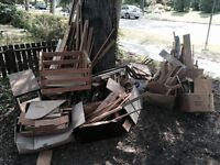 Free wood pieces and firewood material