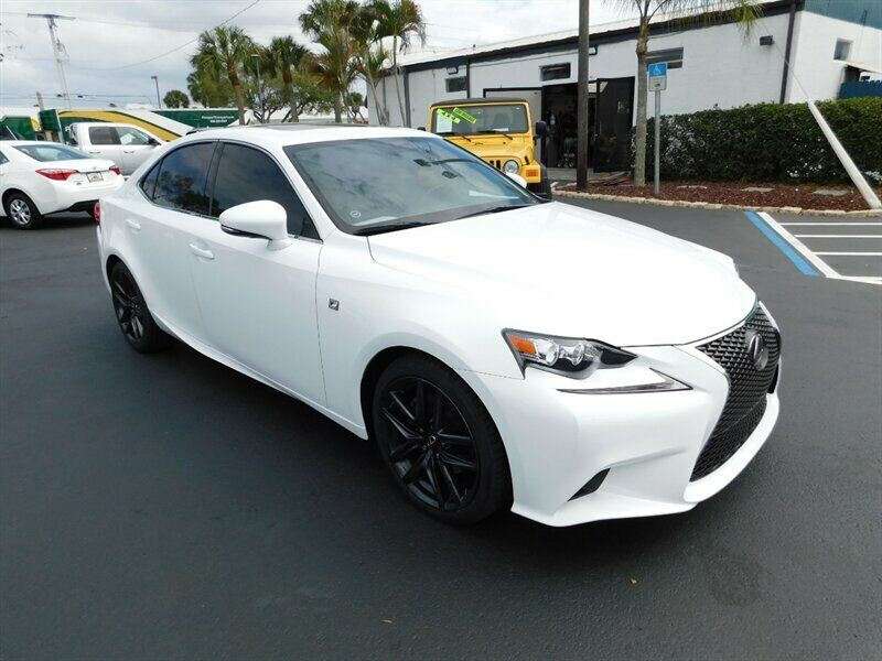 Image 1 Voiture Asiatique d'occasion Lexus IS 2015