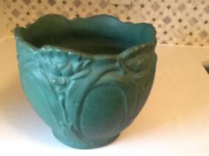 Art Nouveau/Arts & Crafts Decorative Pot
