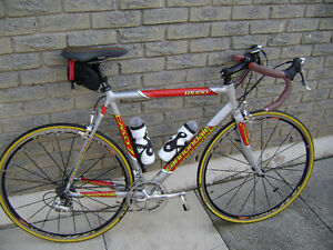 Cannondale CAAD 7 competition road bike.