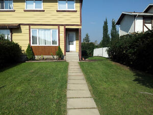 3 Bed 1.5 bath Half Duplex in Cold Lake North – Avail. May 1