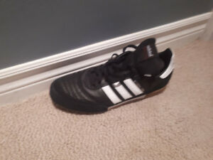Adidas Copa Mundial Indoor Shoes.  Pretty much brand new. SIZE 8