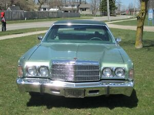 1977 CHRYSLER Newport 400 4 Door