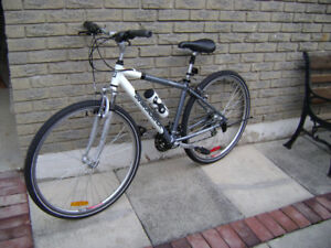 Diamondback Miramar 29'ER hybrid, cruiser, road bike.