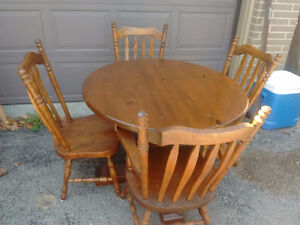 Dining Set: expanding round table + 4 chairs Peterborough Peterborough Area image 1