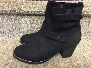 New! Kate & Mel black suede/leather boots ladies size 8.5 Kitchener / Waterloo Kitchener Area image 2