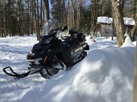 SKIDOO Expedition 1200 4-TEC 2014 comme neuf