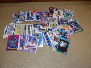 200 ASSORTED MLB TRADING CARDS