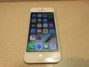 Apple iPhone 5 16GB White Locked to Rogers