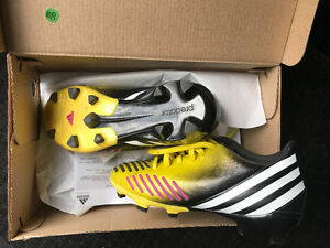 kids soccer shoes cleats US SIZE 2