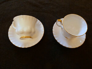 "Royal Albert Val D""or select pieces"
