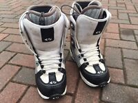 32 lashed Snowboarding boots