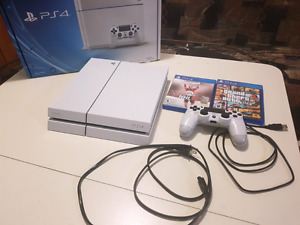PLAYSTATION 4 (NHL 16 & GTA 5) 500 GB *MINT CONDITION* NEGO
