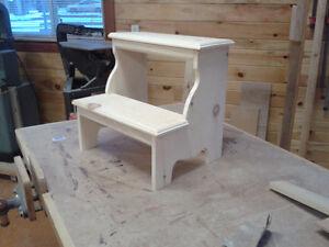 Pine step stool Belleville Belleville Area image 1