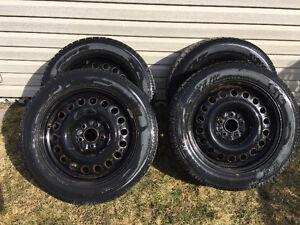 4 pneus d'hiver Toyo Garit KX 225/55R17 sur jantes