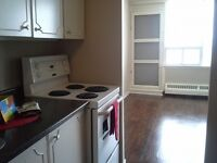 $1045 - 3 bedroom, 4th flr, Elev., Heat&Hot water Incl., Balcony
