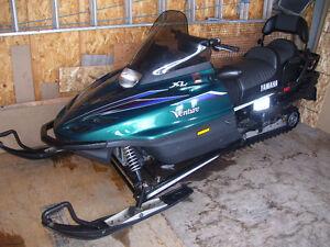 Motoneige Yamaha venture xl en parfaite état