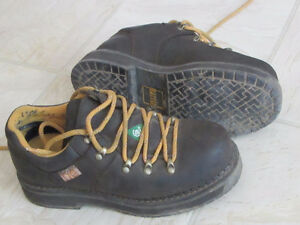 Ladies steel toe boots