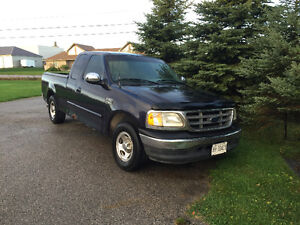 2001 Ford F-150 Lariat Pickup Truck London Ontario image 1