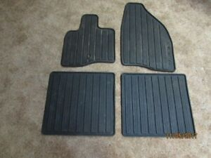 Set of 4 Ford Taurus X All-Weather Floor Mats