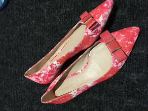 COACH Saffiano leather pointed toe floral flats size 8.5