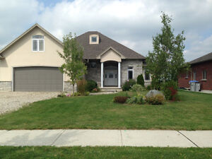 Beautiful Home in St. Mary's Stratford Kitchener Area image 1