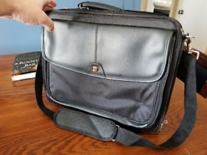 "Never used Targus Laptop Bag (up to 15.6"" laptop)"