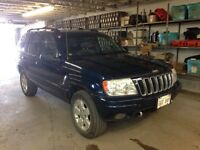 2001 Jeep Grand Cherokee Limited! NO RUST!
