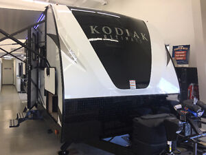 KODIAK ULTIMATE 240BHSL Travel Tralier
