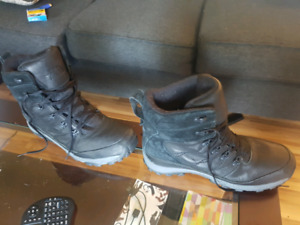 The Northface Chilkat leather winter boots.