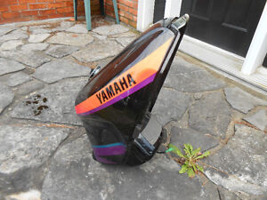 Yamaha FZ 1000  fuel tank, late 80's or early 90's    $160.00 Cornwall Ontario image 4
