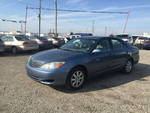 2002 TOYOTA CAMRY * LEATHER * POWER ROOF * HEATED SEATS
