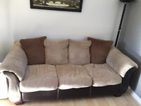 A DONNER SOFA 3 PLACES St-Amable