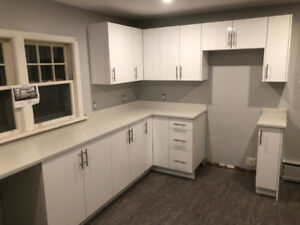 Newly renovated large 2 bedroom, great location!