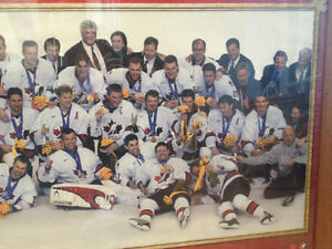 2002 TEAM CANADA GOLD MEDAL WINNING HOCKEY PICTURE Peterborough Peterborough Area image 3